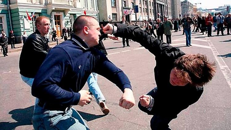 Простые приемы самообороны для улицы от лучших мастеров