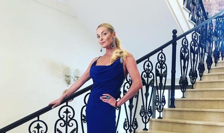 """Анастасия Волочкова назвала своих хейтеров  """"ущербными"""" людьми"""