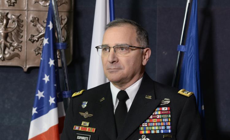 Знай врага в лицо: американский генерал уверен, что нужно больше общаться с Россией