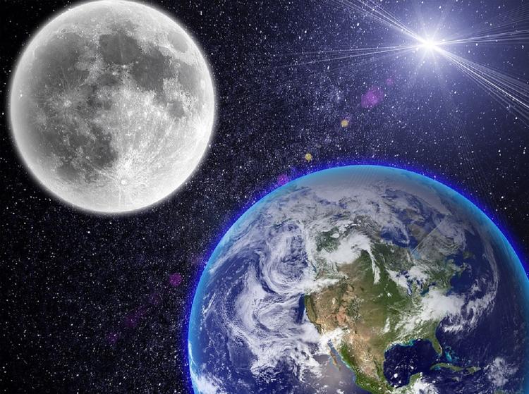 Уфолог: NASA скрывает, что Луна - база инопланетян