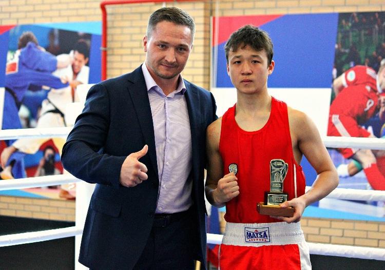 Южноуральская сборная победила в турнире по боксу на  Кубок РМК