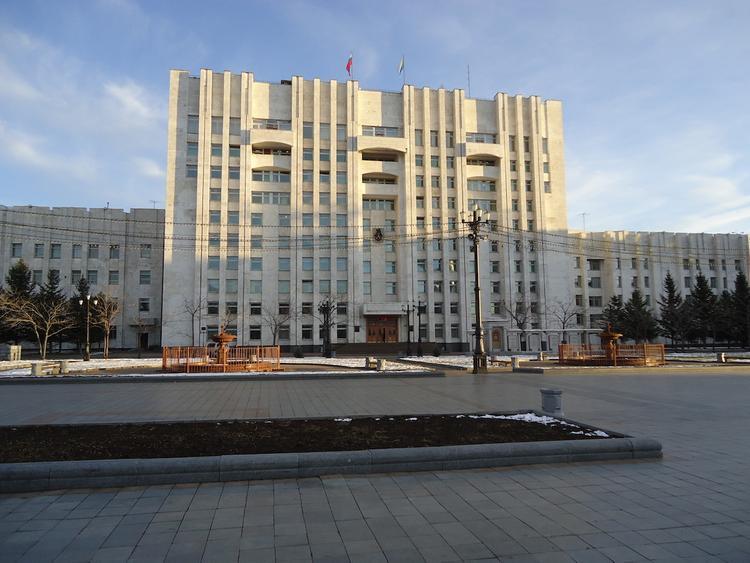 В Хабаровском крае снова будут экономить на чиновниках