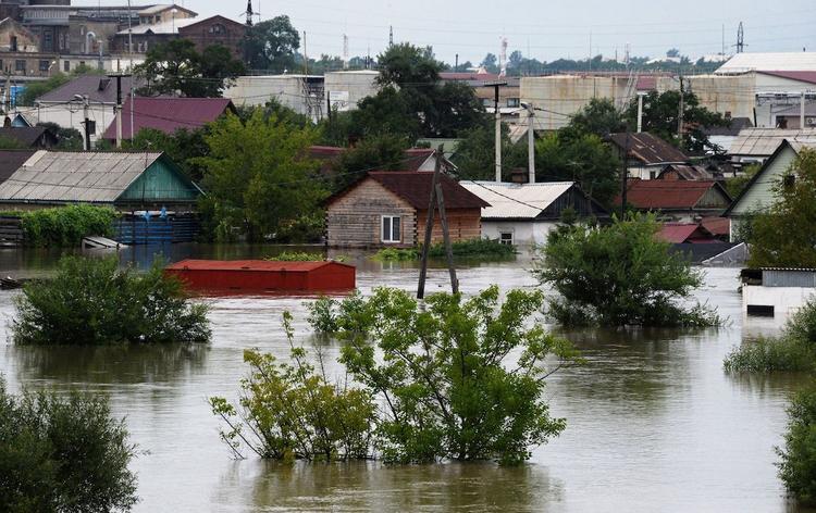 В Хабаровском крае спасатели эвакуируют подтопленцев