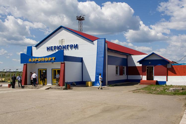 Самолет рейса Хабаровск-Новосибирск экстренно приземлился в Якутии