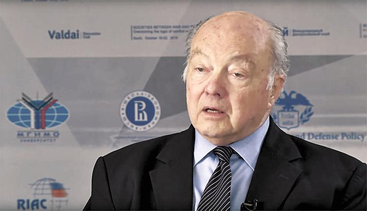 Бывший посол США в Москве обругал американскую военщину