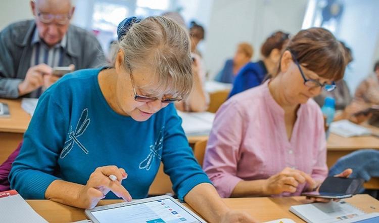 В Хабаровском крае массово переучивают предпенсионеров