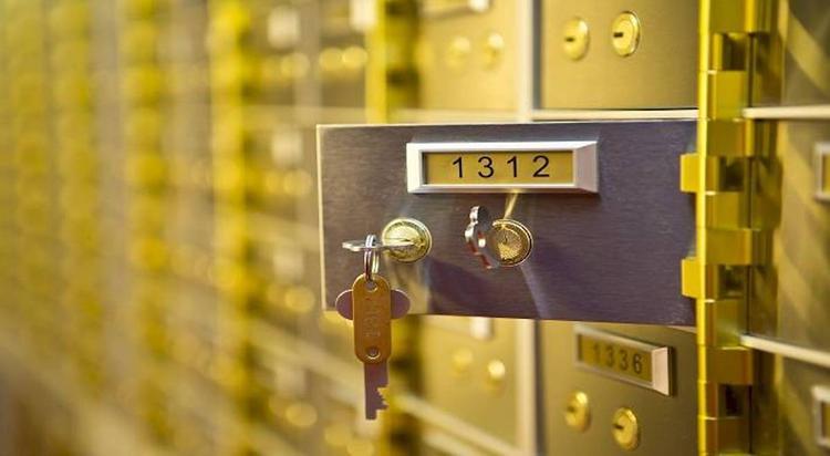 Из банковской ячейки в Хабаровске «утекли» драгоценности и валюта