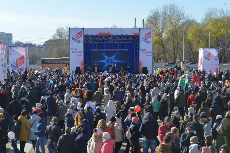 Президент Владимир Путин поздравил жителей Хабкрая с Днем народного единства
