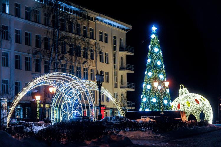 Новогодние огни  в большом городе