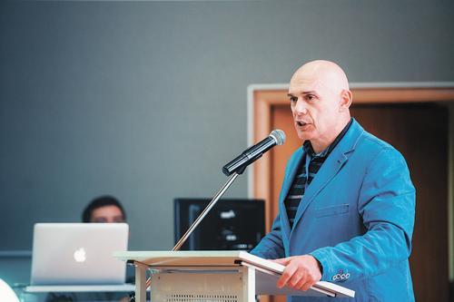 Профессор Сергей Бубновский: самый опасный предмет в школе - парта