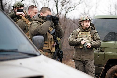 Кто и как обостряет ситуацию на Донбассе