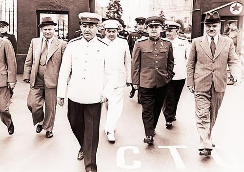 Писатель Александр Лапин: За что нужно сказать спасибо Сталину и Берии