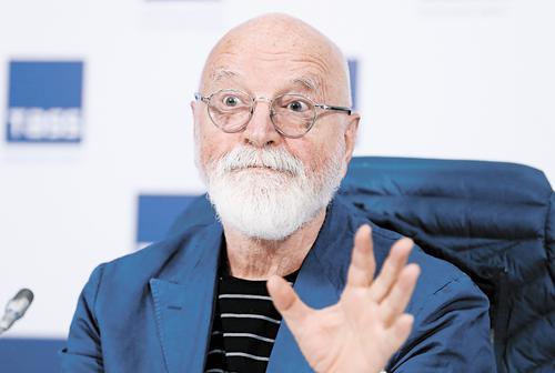 Вышла в свет книга сценариста и режиссёра Ираклия Квирикадзе «Вспомни Тарантино! Или Седьмая ночь на «Кинотавре»