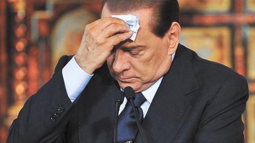 Бывшему премьер-министру Италии Сильвио Берлускони суд назначил психиатрическую экспертизу