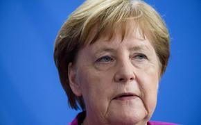 Меркель поздравила Зеленского со вступлением в должность президента Украины