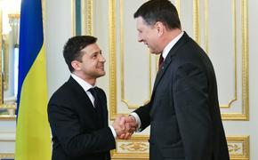 """Зеленский попросил Латвию быть """"адвокатом"""" Украины"""