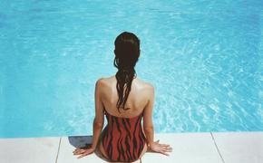 В Набережных Челнах женщину не пустили в бассейн в раздельном купальнике. Роспотребнадзор дал разъяснения