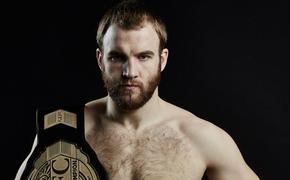 Двукратный чемпион мира и Европы по боевому самбо Денис Гольцов впечатлен историей керченского самбиста