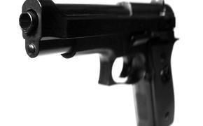 В Москве мужчина испугал пассажиров в метро игрушечным пистолетом