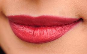 """Дана Борисова увеличила губы, следуя примете  - """"сделаешь губы, выйдешь замуж"""""""