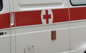 Директор школы в Якутии попал в больницу после нападения