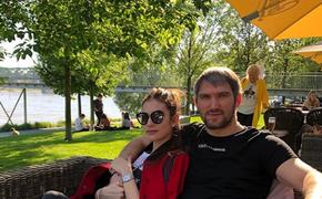 Жена Овечкина сравнила российских фанатов с болельщиками НХЛ