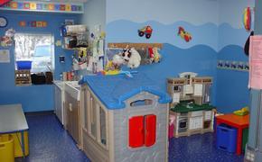 Жительница Москвы оставила ребенка в игровой комнате ТЦ и отказалась забирать его