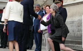 Как в английской прессе и социальных сетях иронизируют над отставкой Терезы Мэй