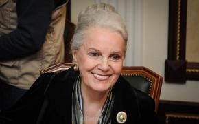 «Муж пытался ее отравить», рассказал журналист о браке актрисы Элины Быстрицкой
