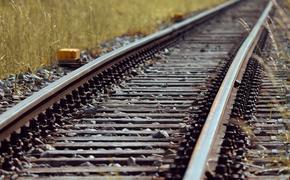 Между вагонами электрички в Москве найдено тело подростка
