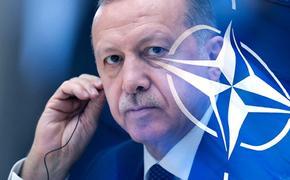 США подталкивают Турцию квыходу из НАТО