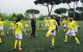 Сборная женская команда по футболу Ватикана столкнулась с австрийским кощунством
