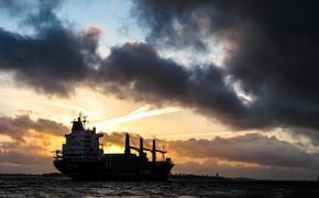 Военные Ирана задержали иностранный танкер за контрабанду нефти