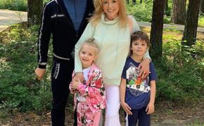Маленькая дочь Аллы Пугачевой Лиза  похвалилась, как ей удалось похудеть