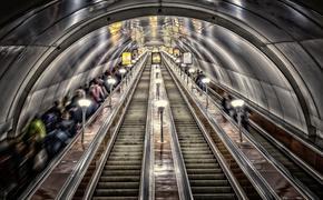 В вестибюле одной из станций петербургского метро произошла поножовщина