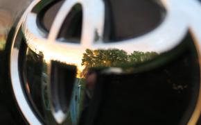 """Водитель """"Тойоты"""" выехал на встречную полосу, в результате столкновения двух авто пострадали 9 человек"""