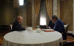 Владимир Путин  и Оливер Стоун обсудили молодежь в России и США