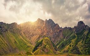 Два альпиниста из Петербурга сорвались с горы в ущелье в  Кабардино-Балкарии