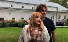 Юрмала: Пугачева и Галкин приехали в гости к Вайкуле