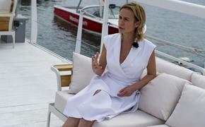 Актриса Сандрин Боннер: Мне нравится быть женственной