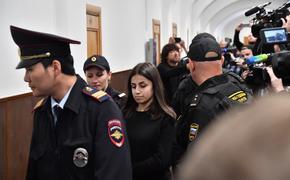 Суд продлил меру пресечения одной из трех сестер Хачатурян