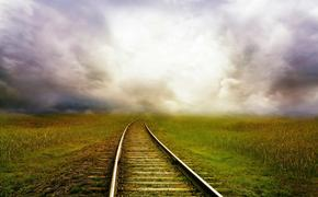 В Самарской области поезд въехал в легковушку