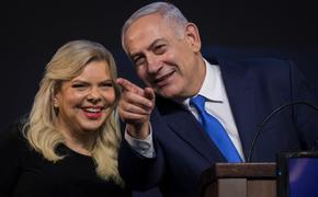 СМИ: супруга Нетаньяху устроила скандал в самолете, летевшем в Киев