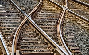 В Подмосковье поезд насмерть сбил девушку