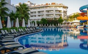 Мать пострадавшей в бассейне турецкого отеля девочки рассказала о ее состоянии