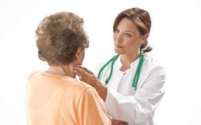 Двенадцать возможных признаков появления раковой опухоли назвала врач-онколог