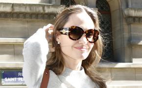 В сети обсуждают осунувшееся лицо Анджелины Джоли