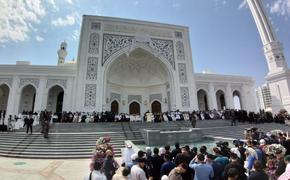 Путин поздравил  Кадырова с открытием в Чечне крупнейшей в Европе мечети