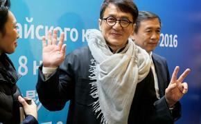 Джеки Чан по-русски извинился перед своими фанатами
