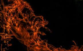 Пожар сегодня утром вспыхнул на нефтебазе в Челябинске